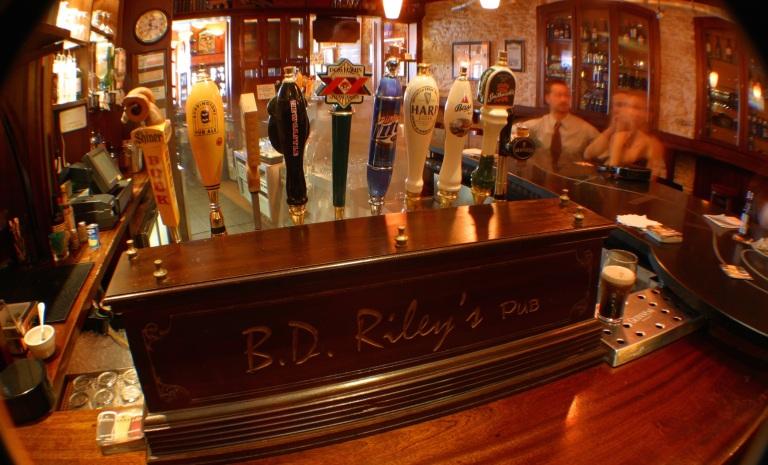 bd-rileys-bar