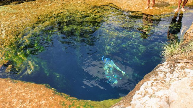 swimming_in_jacobs_well-jpg-653x0_q80_crop-smart